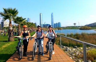 Panoramic Santiago Bike Tour: Parks and Bike Paths -  Everyday 🕡 6 pm